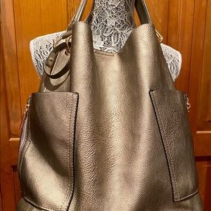 Fashionable slouchy hobo bag